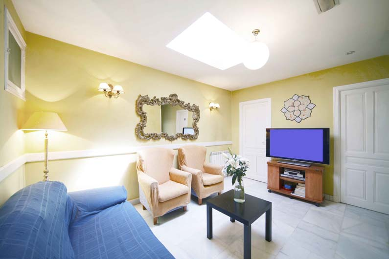 Habitaciones alquiler estudiantes arenal 16 6d madrid for Alquiler habitacion plaza espana madrid
