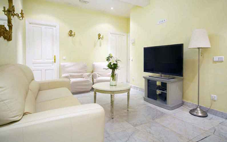 Habitaciones alquiler estudiantes vergara 14 2d madrid for Alquiler habitacion plaza espana madrid