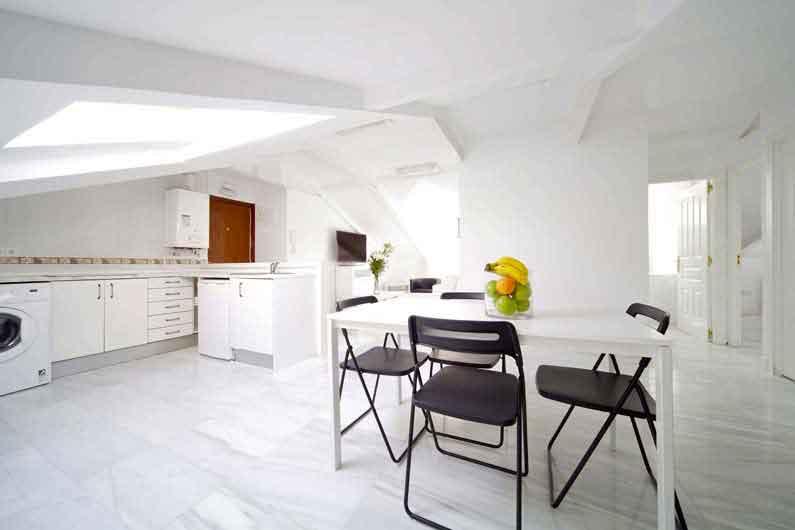 alquiler-estudiantes-madrid-piso-vergara-14-5d-cocina -salon
