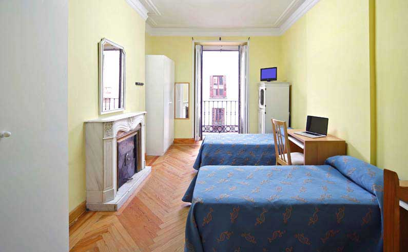 Habitaci n 1 alquiler estudiantes arenal 16 3ed madrid for Para alquilar habitaciones