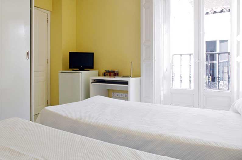 Imagen habitación 1 Arenal, 16 6º derecha alquiler habitaciones estudiantes Madrid centro