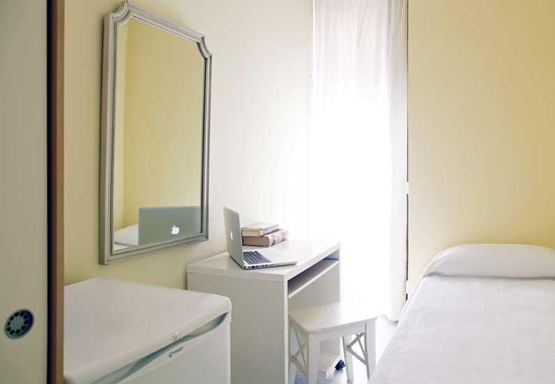 Imagen habitación 2 Vergara, 14 2º derecha alquiler habitaciones estudiantes Madrid centro