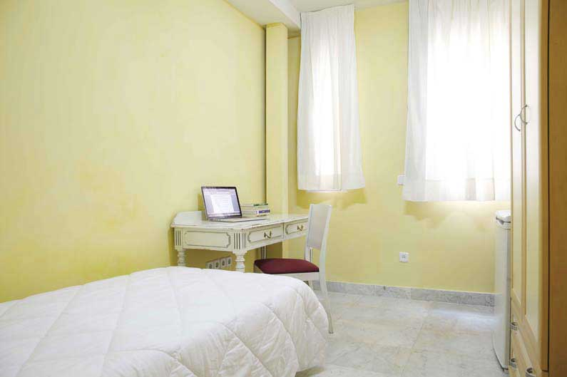 Imagen habitación 4 Vergara, 14 2º derecha alquiler habitaciones estudiantes Madrid centro