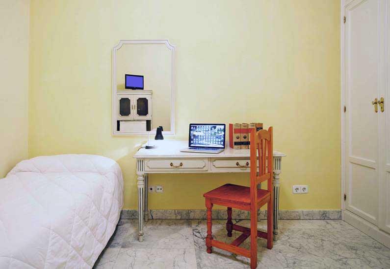 Imagen habitación 8 Arenal, 16 3º ext derecha alquiler habitaciones estudiantes Madrid centro