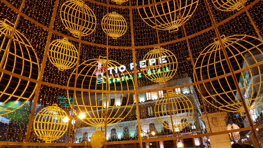 Felices Fiestas y Próspero Año Nuevo 2016 desde el centro de Madrid